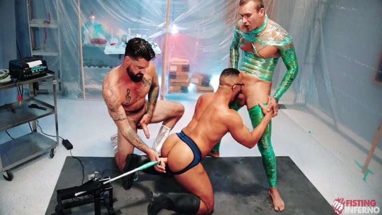Three Studs Spit-Roasting & Playing with Dildo Fucking Machine