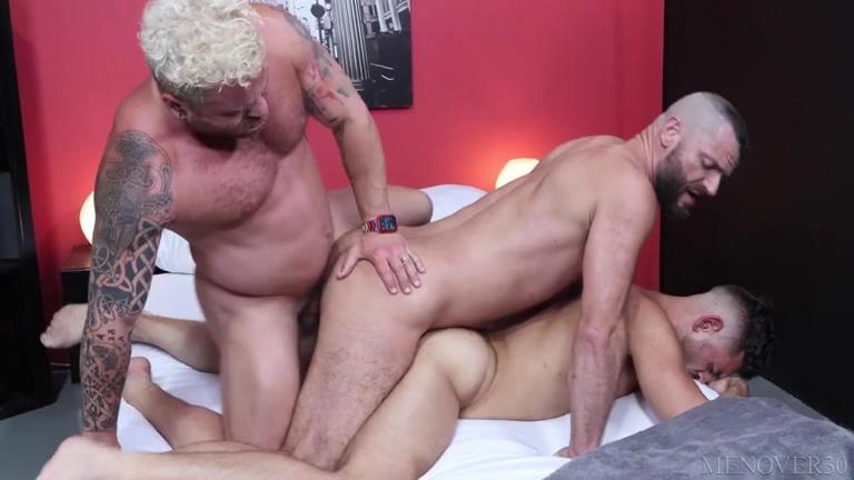 Versatile Threeway Fun with Horny Mature Men
