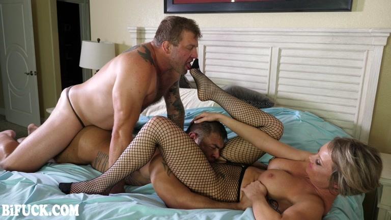 Bisexual Bedroom Hookup with Colby Jansen & Draven Navarro