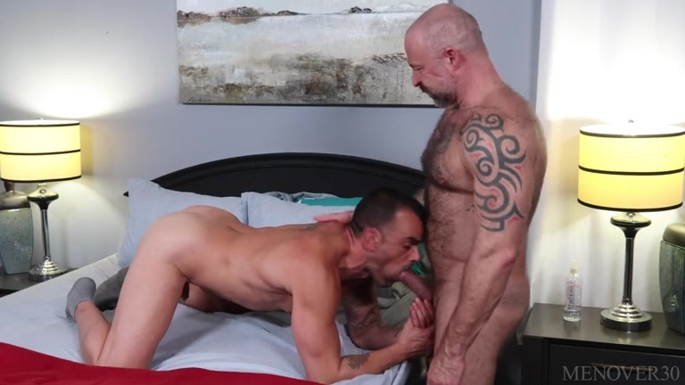 Time To Enjoy Each Other with Damien Crosse & Musclebear Montreal