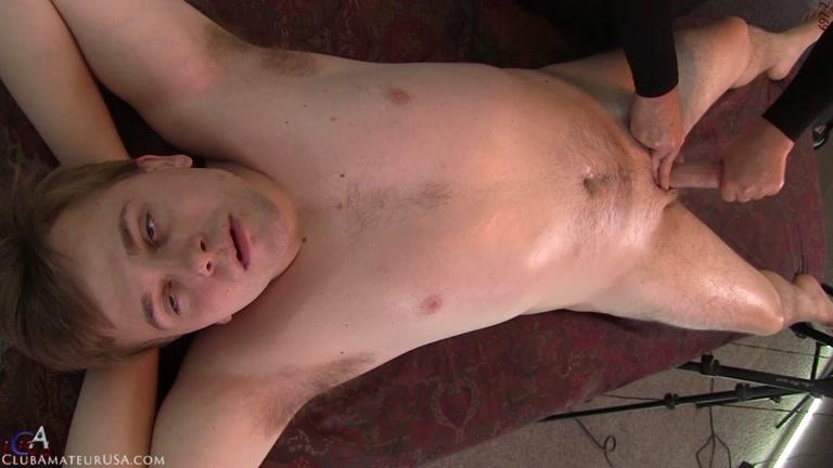 Stocky Dude Gets Massage Table Handjob