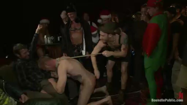 Horny Crown Serviced by Bad Boy in Bar