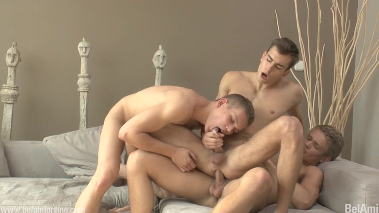 cruising buddies pick up a guy for a threeway