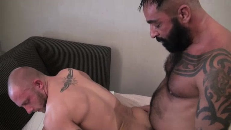 Bareback My Slut Hole at Dark Alley