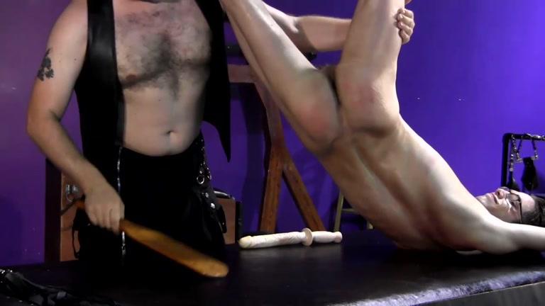 Huge dick bondage guy ass dildo fucked - XVIDEOS. COM