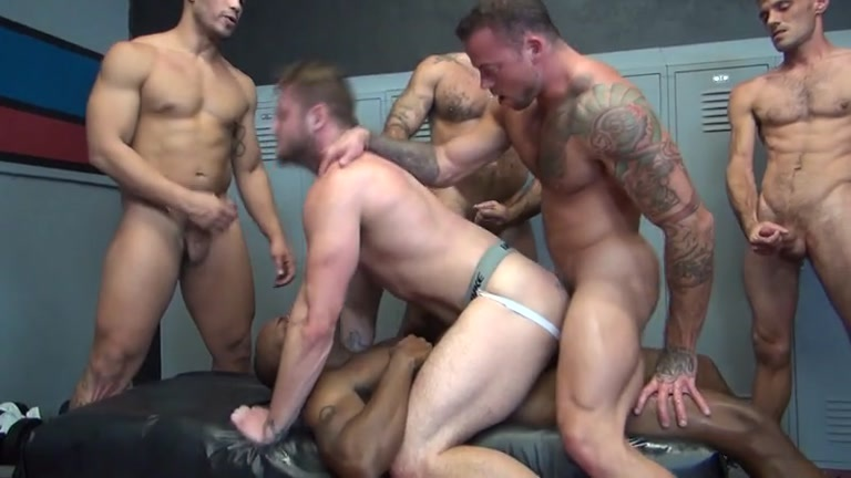 blowjobs and bareback between two gay studs 7 min Club