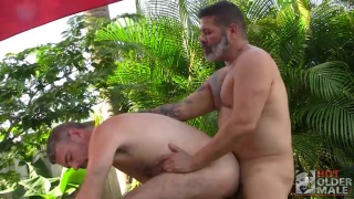 daddy offers his beefy ass to a hot older friend