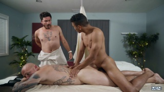boyfriends get massage together then one gets fucked