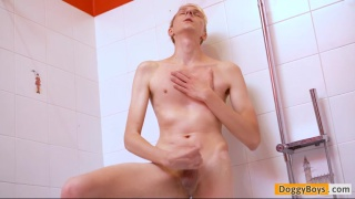 shower jack-off with Andreas Nilsen at Doggy Boys