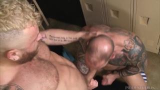 guy samples a big dick in the locker room