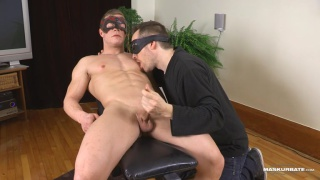 muscle worship & handjob session with Patrick at Maskurbate