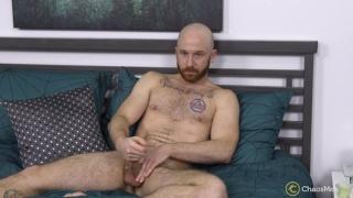 guy convinces his boyfriend to do his first JO scene