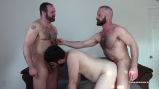 threeway sex with MuscleBull & David Coyote at Topher Phoenix XXX