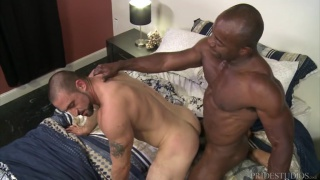 interracial sex with gym buddies fucking after workout at MEn Over 30