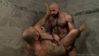 Atlas Grant fucks Julian Torres in gym shower