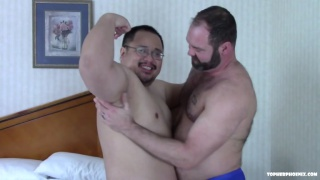 hairy muscle man sucks on daddy bear cock