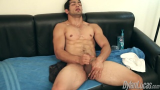 Marco Nanni Jerks Off For You