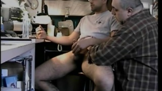 jacking a straight guy at his computer