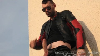 peto coast jacking off at world of men