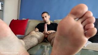 Italian straight guy shows bare feet