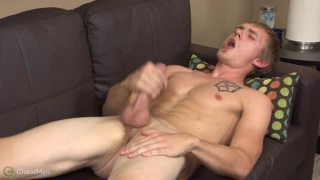 hung southern dude beating off