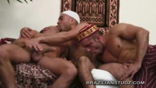 arab men in cock-sucking threeway