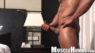 cosmo babu at muscle hunks