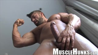 muscle hunks - Lucas di Angelo