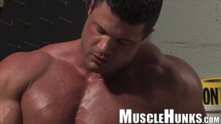 Free muscle gay sex videos
