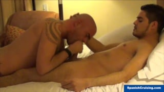 str8 hunk gets his dick sucked at spanish cruising