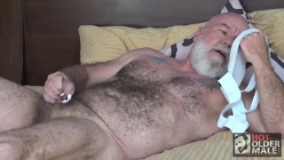 daddy Noah jacks off at hot older male