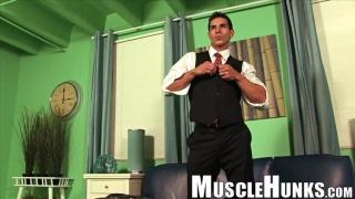 Kevin Ramos at muscle hunks