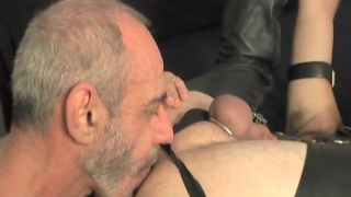 Bareback Muscle Daddy 2 at dark alley