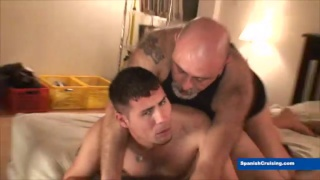 butch bear emilius fucks santy at spanish cruising