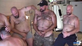 Gunner Scott and The 5 Bears at bear films