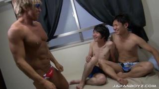 kiba's threesome at japan boyz
