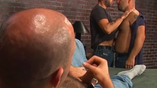 Bareback 3-Ways Hairy Men at Dark Alley