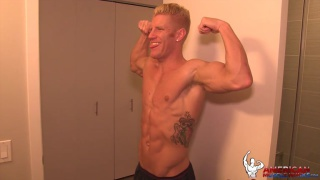 johnny v shows off at american muscle hunks