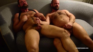 Musclebear Hookup at Topher Phoenix