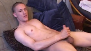 Amateur Jay Jacking Off at Defiant Boyz