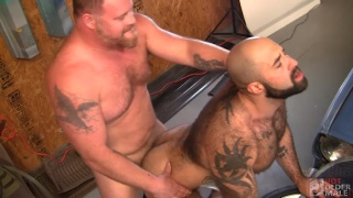 GRAYDON EMORY FORD fucks ATLAS GRANT at Hot Older Male