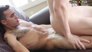 Ethan Manor fucks James Manziel at gay hoopla