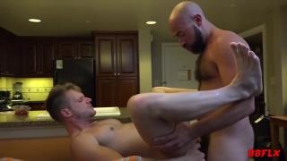 Damon Andros & Brian Bonds fucking at Bareback Flixxx