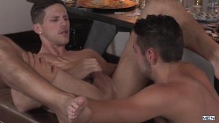 Dante Colle & Roman Todd at str8 to gay