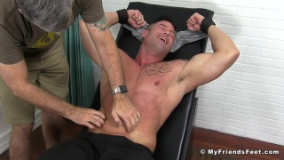 muscle hunk Joey J at My Friends Feet
