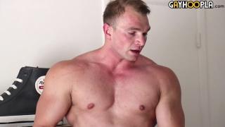 Big Bodybuilder Dorian James at gay hoopla
