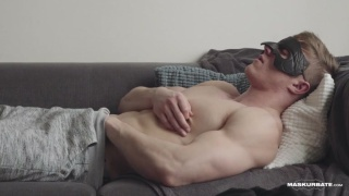 Larry McCormick jacking off at Maskurbate