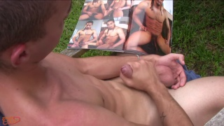 Calo Bambini jerks off outdoors at Papicock