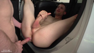 Quin Quire & Brandon Evans fuck at Guys in Sweatpants