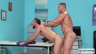 Austin Wolf fucks Mason Lear at Hot House
